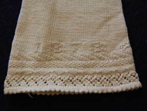 date knitted at top